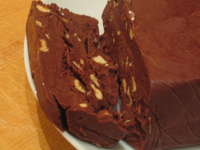 Post image for Chocolate praline truffle cake