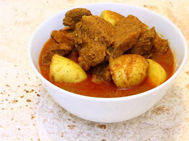Madhur Jaffrey's Goan style pork vindaloo