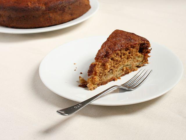 Rhubarb and ginger cake