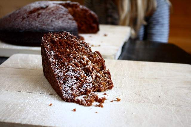 A spicy ginger cake made with fresh shredded ginger instead of the usual dried, powdered stuff. From a recipe by David Lebovitz.