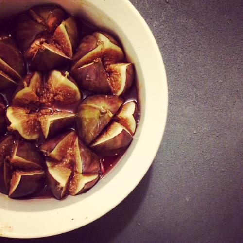 Roast figs with honey and Marsala