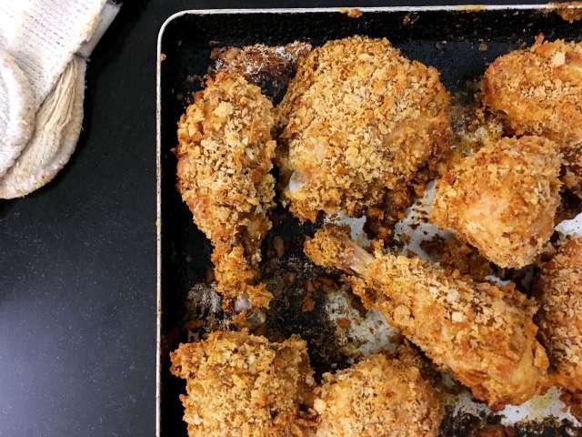 Cajun-spiced baked chicken in breadcrumbs